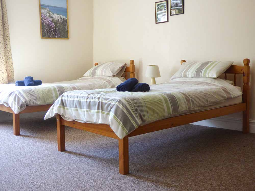 twin room westroose bedroom