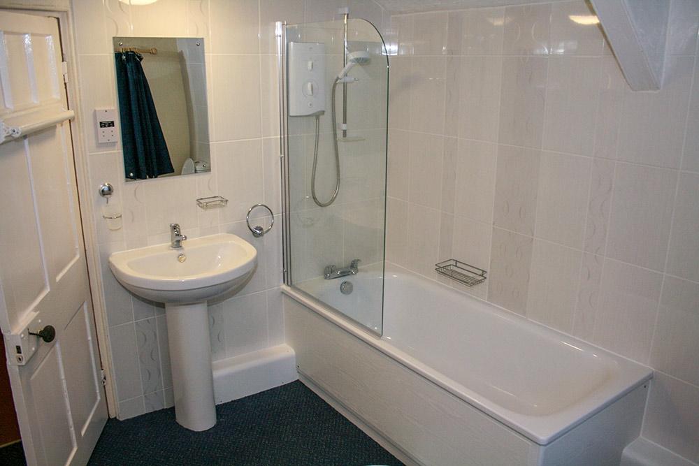 west roose bathroom